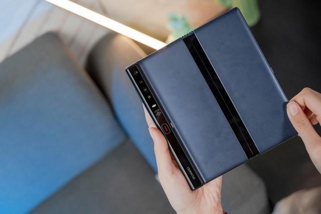华为第一款折叠屏智能手机Mate X