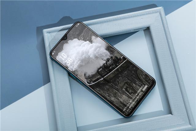 手机「续航」与「轻薄」你会选谁?